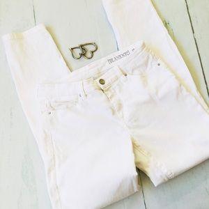 BlankNYC size 27 White Skinny Denim Jean
